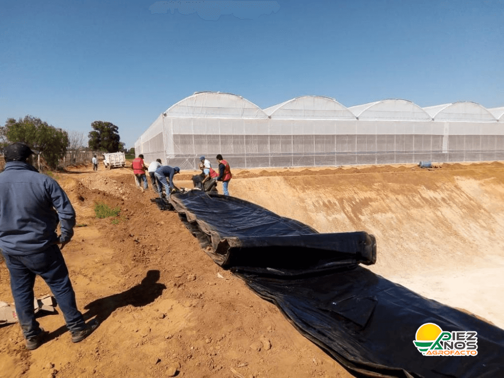 instalación de geomembrana para olla