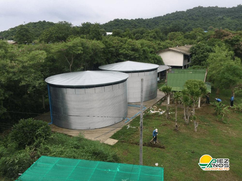 estanques para almacenamiento de agua en rancho